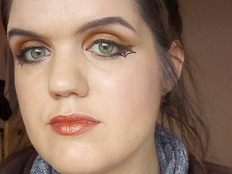 Halloween tutorial: Easy eyemake-up met spiderwebliner
