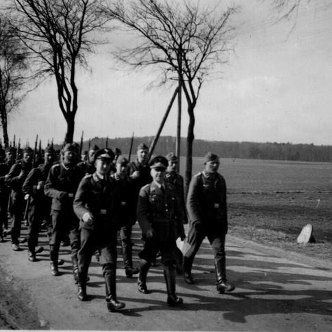 Georg Kruse (vorne links) ca. 1942