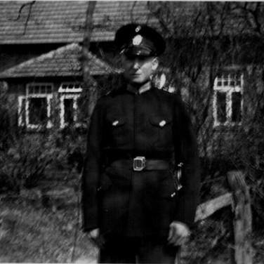 Georg Kruse 1934 in Osterscheps als Polizist
