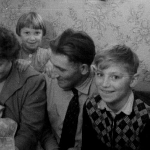 von links, Reinhard, Lydia, Brigitte, Fritz, Helmut am 28.10.1956