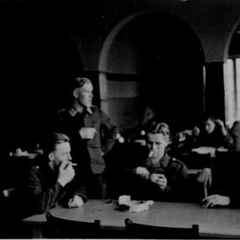 Georg Kruse rechts 1940 in Wismar