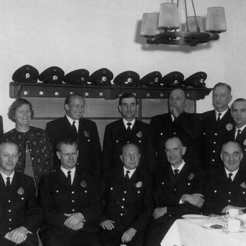 Vati o. 3. v. l. Bremer Polizei VUD 01.04.1965