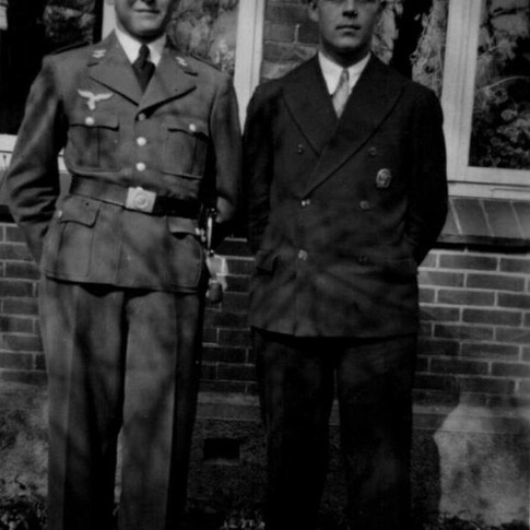 Georg Kruse (links) 1936 in Osterscheps