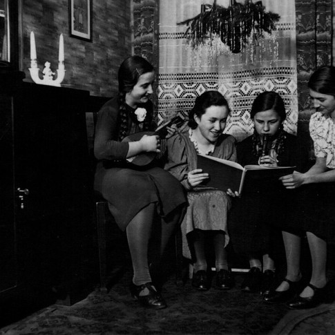 Mutti links 1938