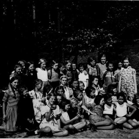Mutti v. l. Mädchenschule, Klasse ca. 1938