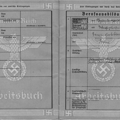 Mutti Arbeitsbuch Berufsausbildung Sept 1942 bis Sept 1944 als Verkaufsgehilfin