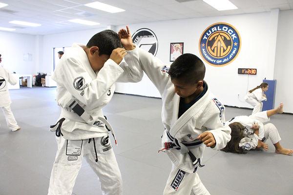 Kids slef defense jiu-jitsu class
