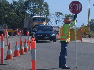 Traffic Control Training Course 'Control traffic with Stop-Slow Bat RIIWHS205D' was designed to provide traffic controllers with required knowledge and skills to ensure safety of construction, maintenance workers as well as general public.