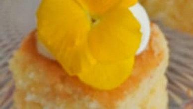 Lemon cake canape
