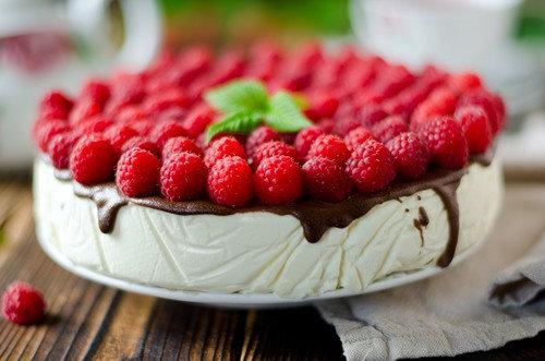 LeAnn's Gourmet Desserts White Chocolate Rasberry
