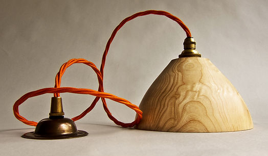 Wood lampshade pendant light fitting
