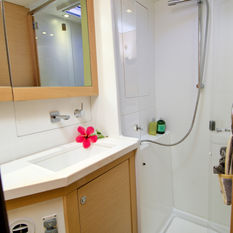 Spacious, dry shower rooms