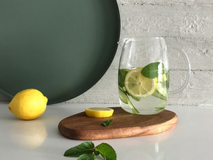 A água de limão funciona para perda de peso?- Com Dra. Lia Lima
