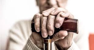 Banco deve indenizar idoso por empréstimo consignado fraudulento