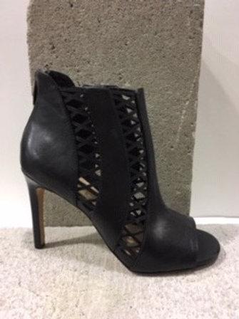 Sandale noire en cuir  VINCECAMUTO