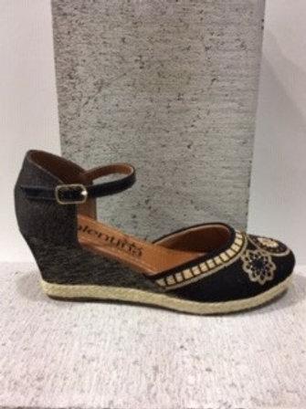 Sandale noire brodée de fleurs Valentina