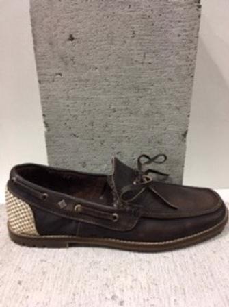 Chaussure brune en cuir FEUD