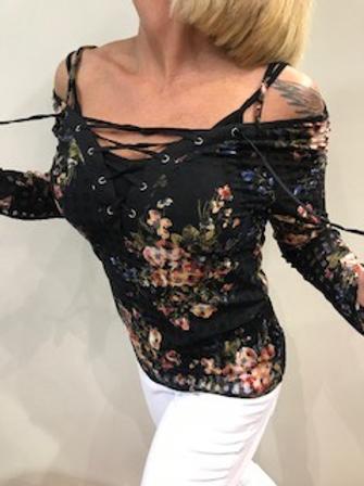 Chandail noir fleuri