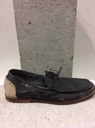 Chaussure noire en cuir FEUD
