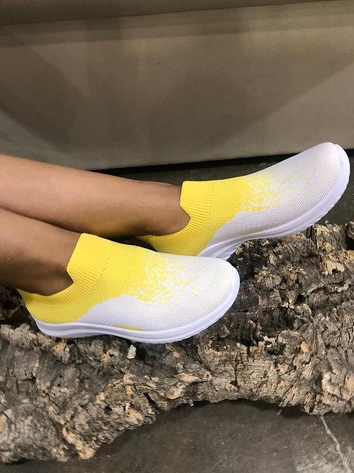 Socks-sneakers jaunes pointillées blancs Ken's