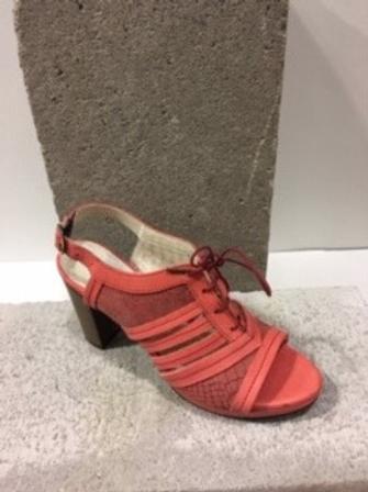 Sandale rouge en cuir avec lacet DKODE