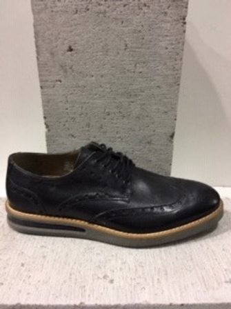 Chaussure noire en cuir NOBRAND