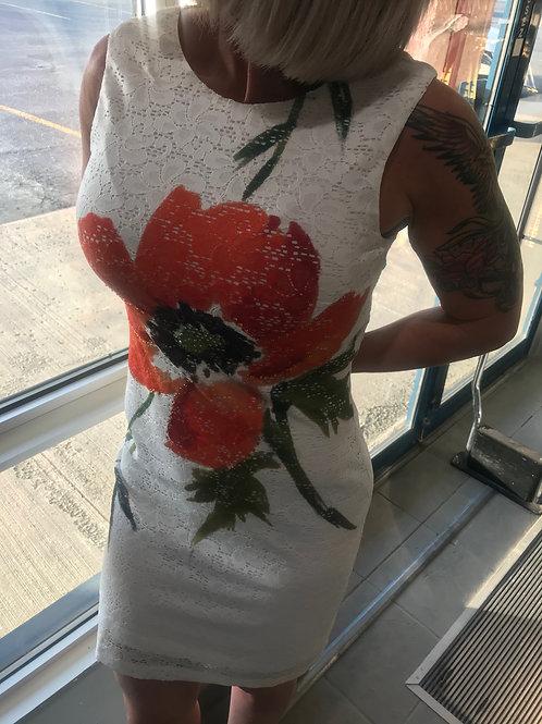 Robe blanche avec fleur