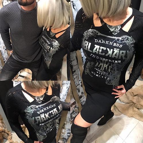 Robe noire avec écriture argentée Blackarv