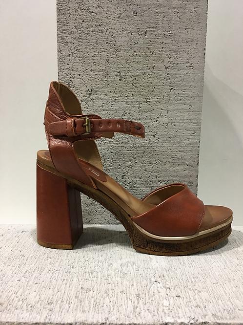 Sandale talon carré en cuir  MJUS