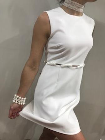 Robe blanche avec boucles  Molly Bracken