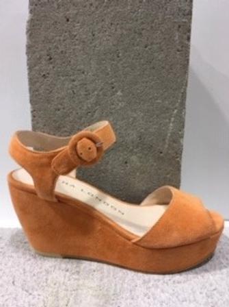 Sandale orange en micro suède SACHA LONDON
