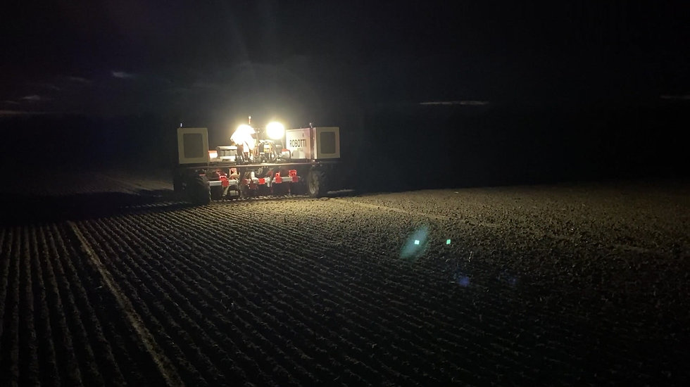 Agrointelli Robotti is sowing beets on the field, configured and monitored by Doorgrond