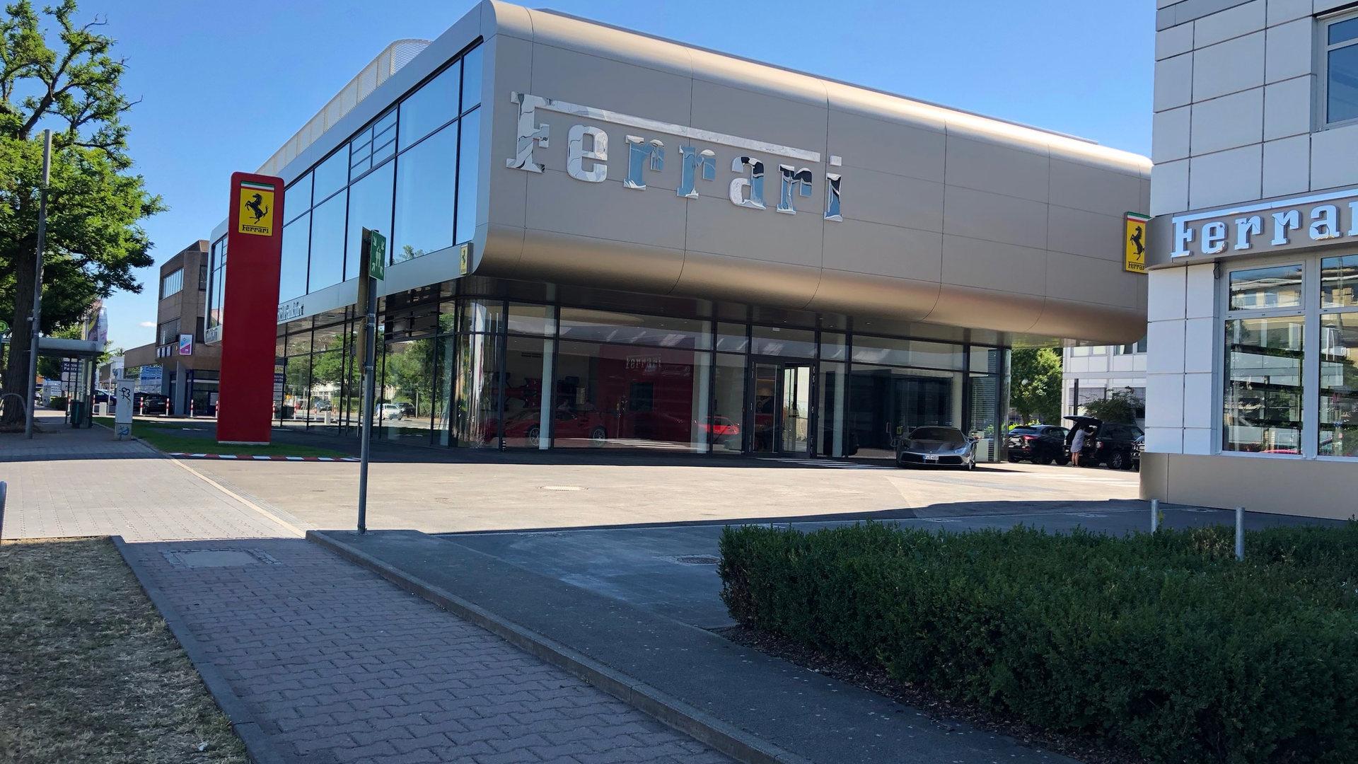 Neubaumaßnahme Autohaus Ferrari in 60324 Frankfurt