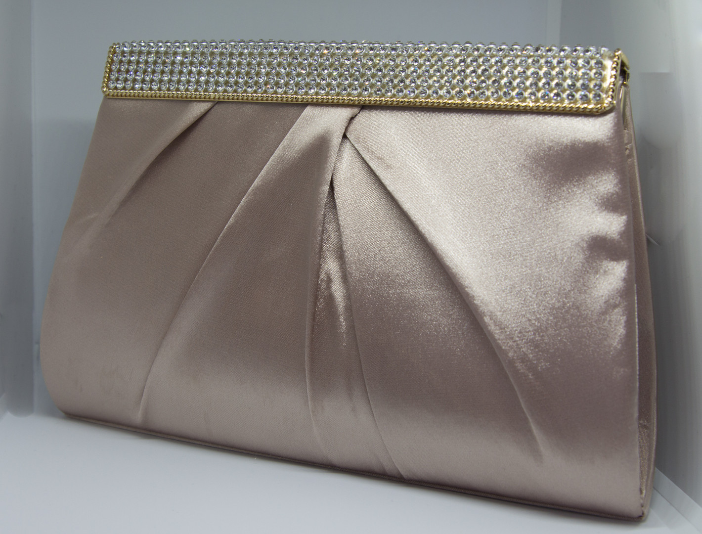 Smoked pink clutch