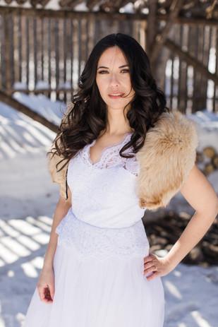 Weddng dress and fur collar