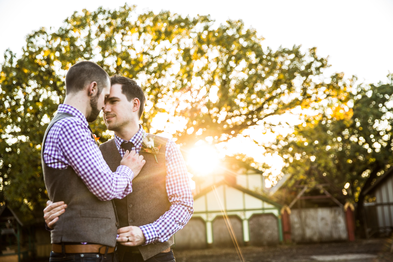 same-sex-grooms-sunset-photo-minneapolis