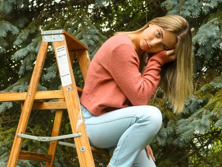 Layla K. | Backyard Portraits