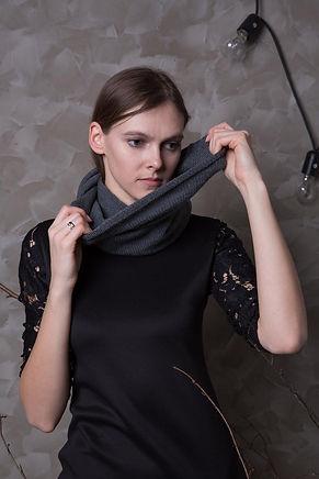 Knitted unisex merino wool neck warmer