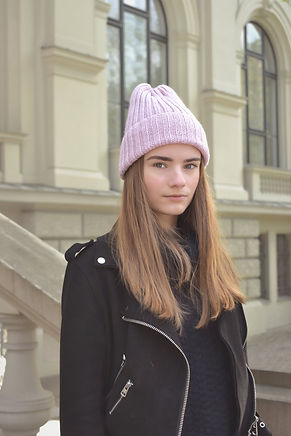 PINK KNITTED WOOL BEANIE HAT