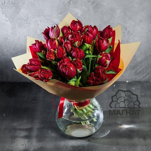 """Букет из 25 пионовидных тюльпанов """"Ред Принцес"""""""