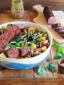 Salade de haricots aux pommes de terre & saucissons