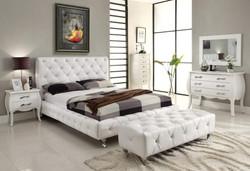 AH-MariaWH-modern-bedroom.jpg