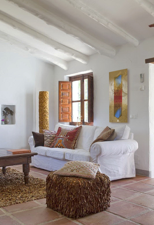 Spanish-House-In-Rustic-Style-Living-Room-Design.jpg
