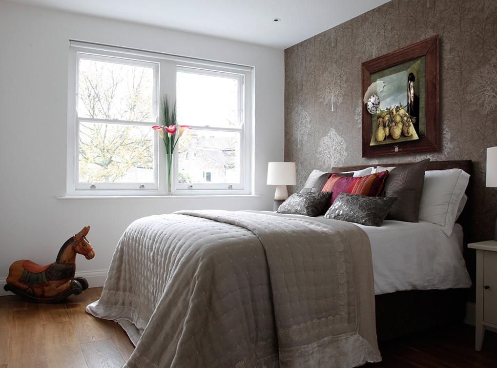 Earthy-Beautiful-Bedroom-Decor-of-Modern-Eclectic-House.jpg