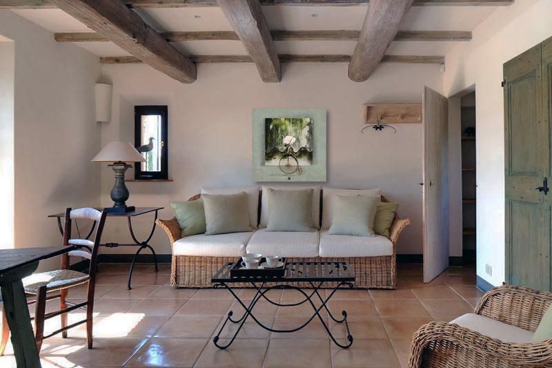 Rustic-Living-Room-with-Rattan-Sofas.jpg