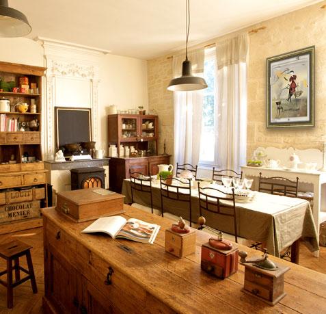 Une-cuisine-aux-allures-retro.jpg