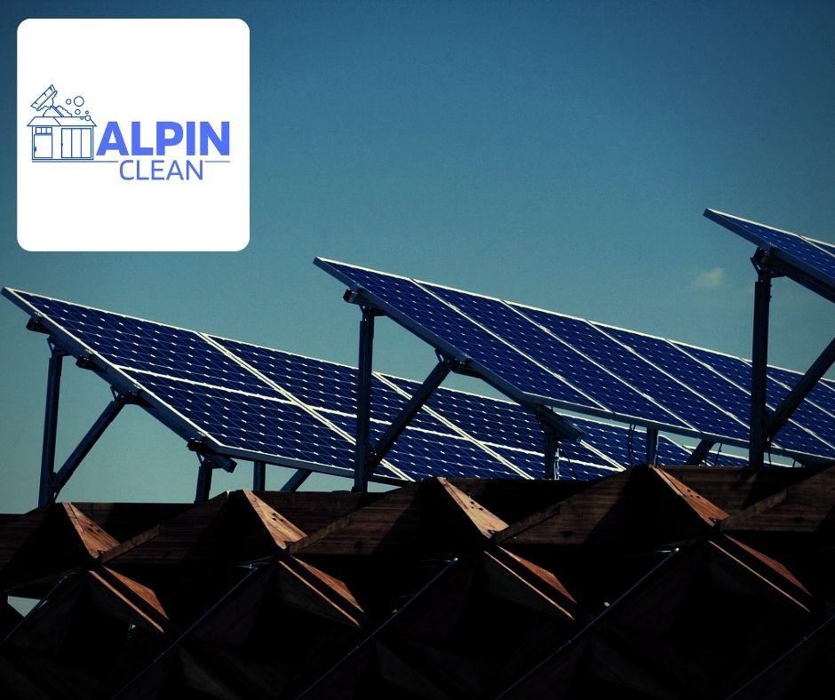 Bár a napelem tisztításházilag is lehetséges, jobb, ha szakértőre bízza