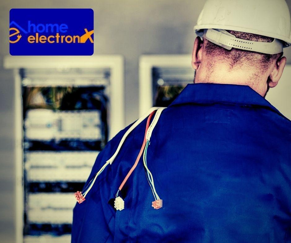 Elektromos hálózat felújítását végezze szakember, bízza a Home electronx szakembereire
