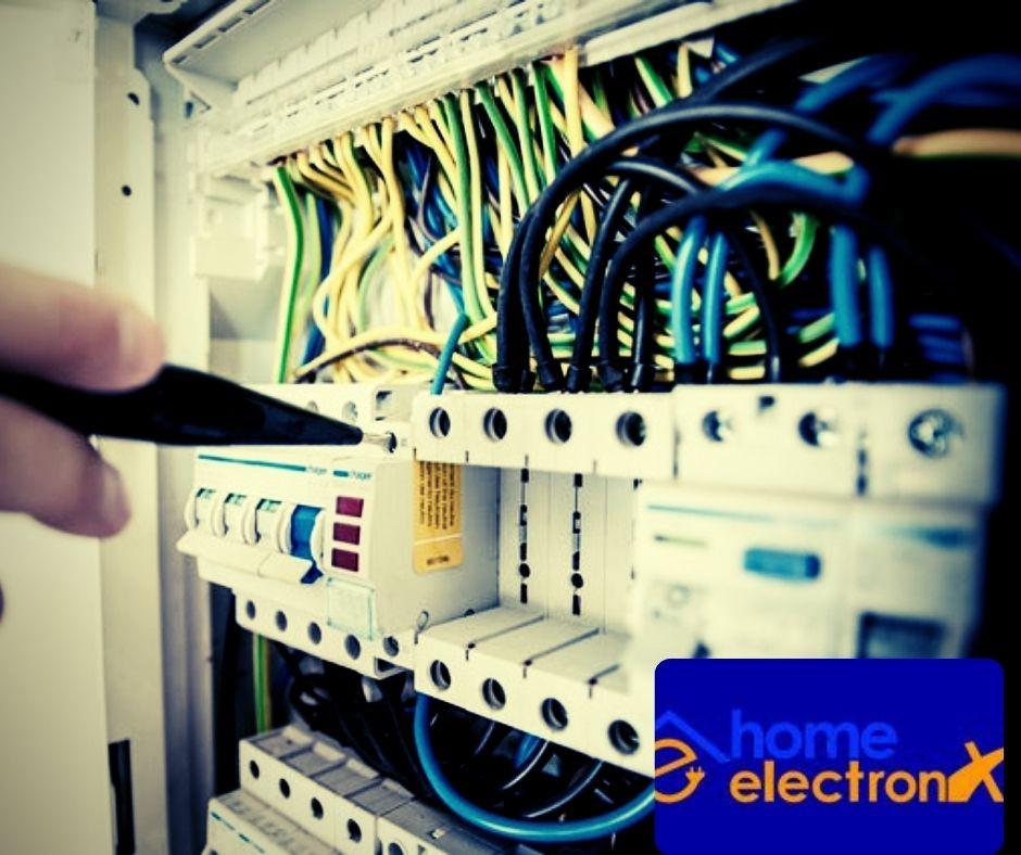 A modern villanyszerelés terén kulcsfontosságú az épület villamosság megfelelő, szakmai ismerete