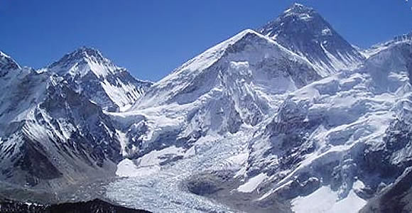 Mt Everest from Kalapather.